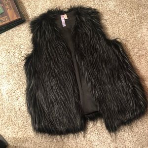 Adorable black & gray faux fur vest